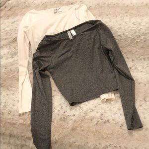 2 long sleeve crop tops